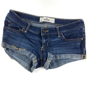 Hollister | Dark wash jean short | Size 3 or 26